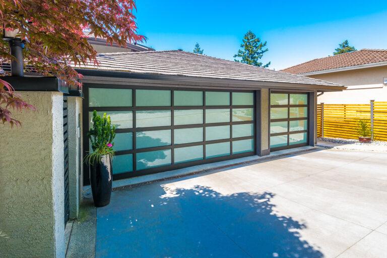 Heavy-Duty Roll-Up Commercial Garage Door Repair